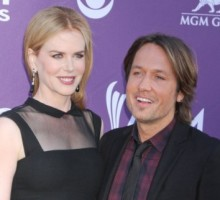 Nicole Kidman Says She'll Hang Out Backstage at 'American Idol'