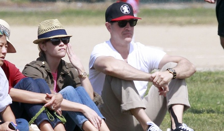 Cupid's Pulse Article: Reese Witherspoon and New Hubby Jim Toth Spotted on Honeymoon