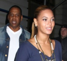 Celebrity Couple Jay-Z & Beyonce Open Grammy's with 'Drunk in Love' Performance