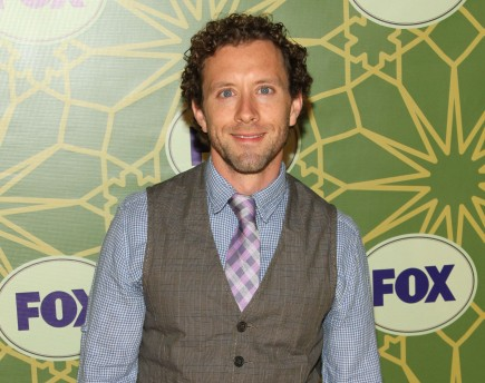 Cupid's Pulse Article: 'Bones' Star TJ Thyne Proposes to Model Girlfriend Leah Park