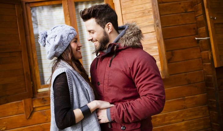Cupid's Pulse Article: Date Idea: Rent a Cabin in the Snow