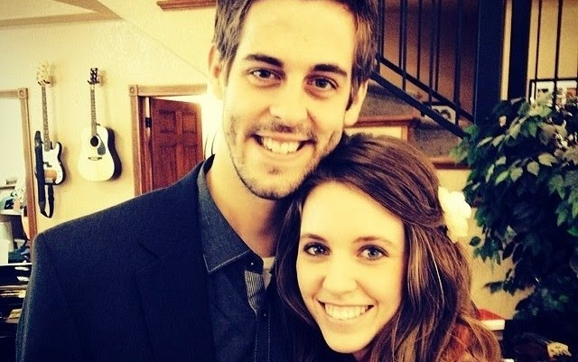 Cupid's Pulse Article: Jill Duggar & Derick Dillard Share First Kiss in Front of 1,000 Guests