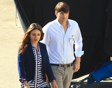 Cupid's Pulse Article: Mila Kunis and Ashton Kutcher Go On Movie Date