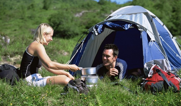Cupid's Pulse Article: Date Idea: Go Camping or Glamping