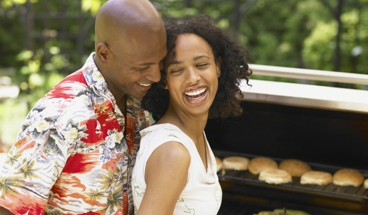 Cupid's Pulse Article: Date Idea: Couples Barbecue
