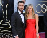 Jennifer Aniston Gushes About 'Handsome' Fiance Justin Theroux