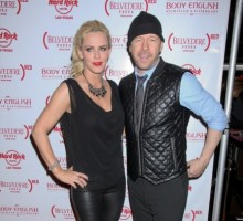 Jenny McCarthy and Donnie Wahlberg Go Wedding Dress Shopping Together