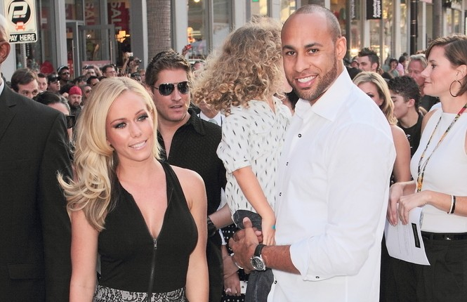 Cupid's Pulse Article: Kendra Wilkinson Is Meeting With Divorce Lawyers Post-Scandal