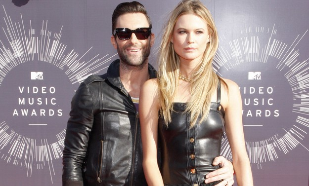 Adam Levine and Behati Prinsloo make their debut as a married couple at the MTV Music Awards. Photo: David Gabber / PRPhotos.com