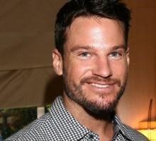 "'Bachelor in Paradise' Contestant Jesse Kovacs Denies Threesome: ""I Fell Asleep"""