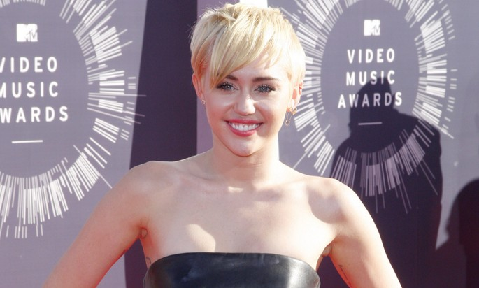 Cupid's Pulse Article: Miley Cyrus Makes Celebrity News With Homeless Date at VMA's