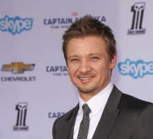 'Avengers' Star Jeremy Renner Secretly Marries Sonni Pacheco