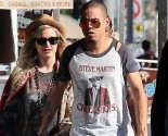 Shoshi predicts what's next for newlyweds Ashlee Simpson and Evan Ross. Photo: LRR/FAMEFLYNET PICTURES