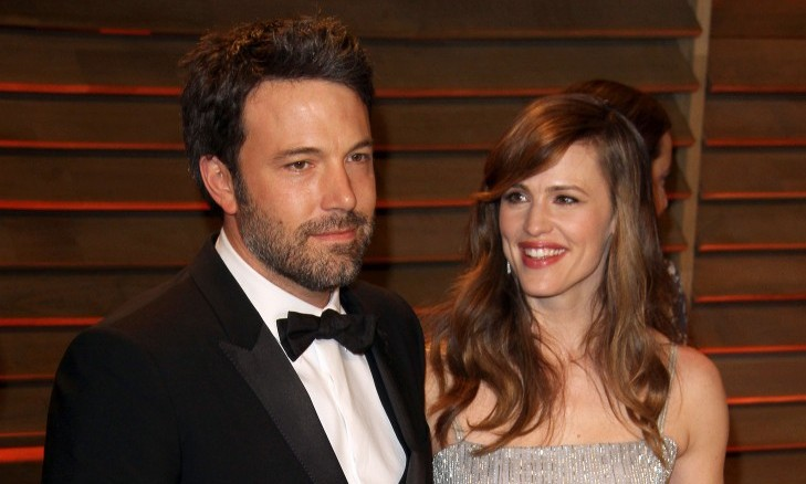Cupid's Pulse Article: Ben Affleck Kisses Jennifer Garner in Rare PDA Moment