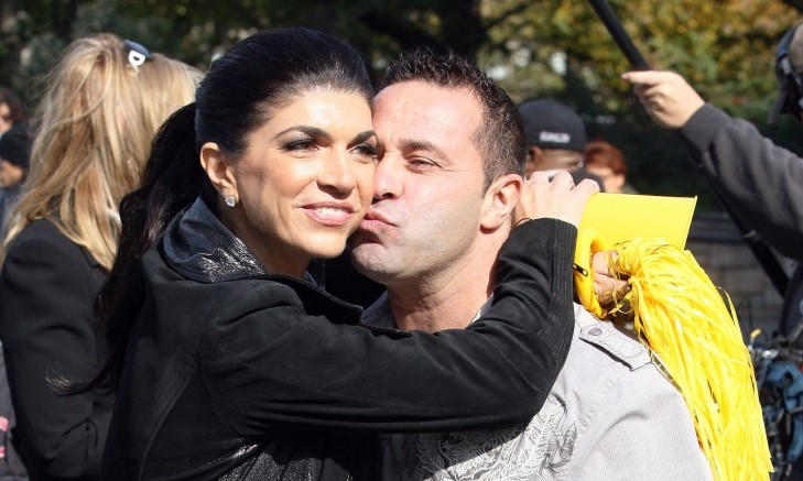 Cupid's Pulse Article: Celebrity News: Joe Giudice Reunites with Teresa & Four Daughters in Italy