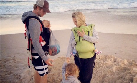 Cupid's Pulse Article: Chris Hemsworth Spends a Beach Day with Family