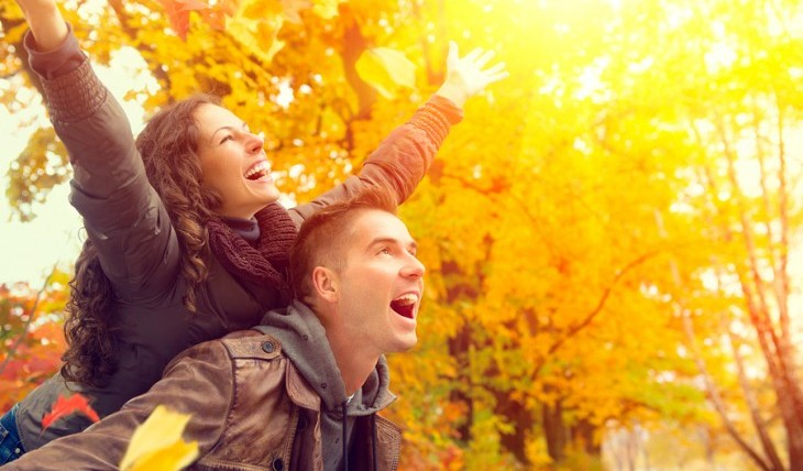 Cupid's Pulse Article: Date Idea: Fall into Love This Autumn