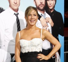 Jennifer Aniston Discusses Wedding Dates with Ellen DeGeneres