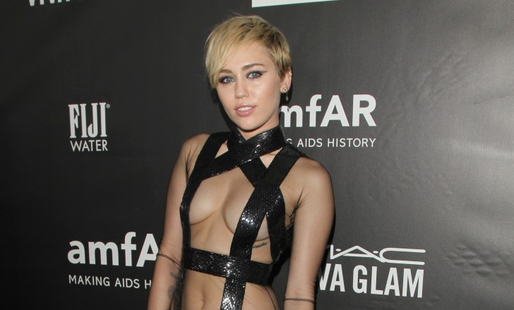 Cupid's Pulse Article: Miley Cyrus and Patrick Schwarzenegger Post PDA Pics