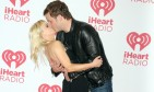 Body language expert Jared Sais analyzes Anna Faris and Chris Pratt's red carpet pose. Photo: PRN / PRPhotos.com