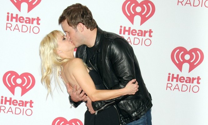 Cupid's Pulse Article: What Chris Pratt and Anna Faris's Goofy Red Carpet Pose Says About Their Love