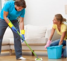Health Advice: Safe Use of Cleaning Products at Home