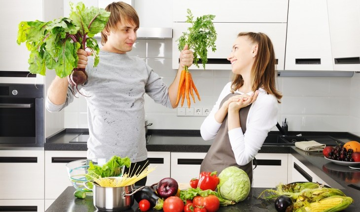 Cupid's Pulse Article: Date Idea: Cook a Romantic Dinner