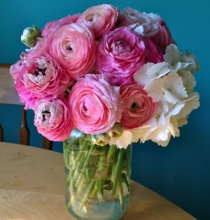 In our celebrity interview, David Goldstein shares dating advice and the best flowers to give for relationships and love. Plus, a giveaway! Photo courtesy of BloomNation.