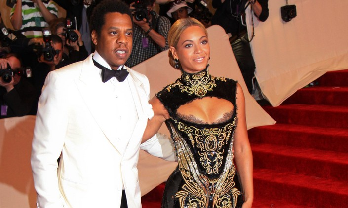 Cupid's Pulse Article: Celebrity Couple News: Jay-Z Sent Beyonce 10,000 Roses Before Super Bowl Halftime Show