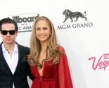 Celebrity Exes Jennifer Lopez and Casper Smart Caught Kissing