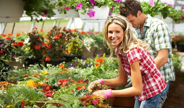 Cupid's Pulse Article: Weekend Date Idea: Plant Some Roots