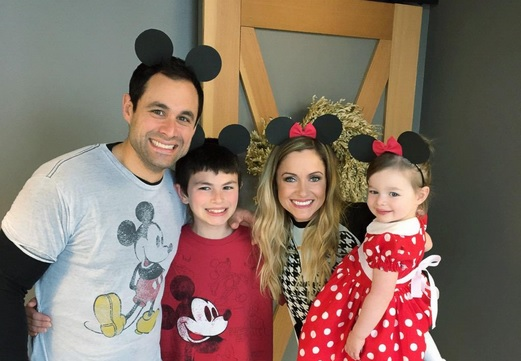 Cupid's Pulse Article: 'The Bachelor' Alums Jason and Molly Mesnick Throw Minnie Mouse Party for Daughter