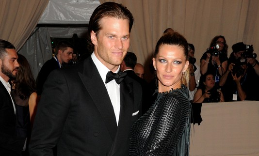 Cupid's Pulse Article: Tom Brady Writes Celebrity Love Gisele Bundchen a Love Note After Final Runway Show