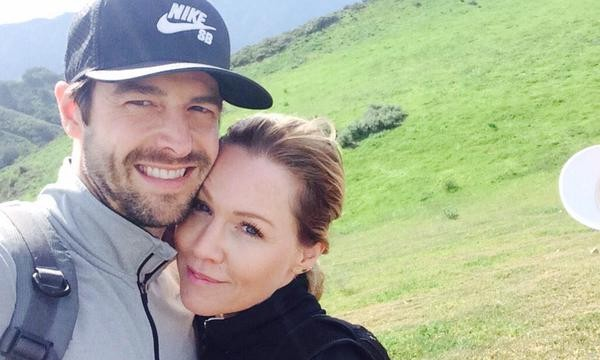 Cupid's Pulse Article: Jennie Garth and David Abrams Share PDA-Filled Golf Date Post-Celebrity Engagement