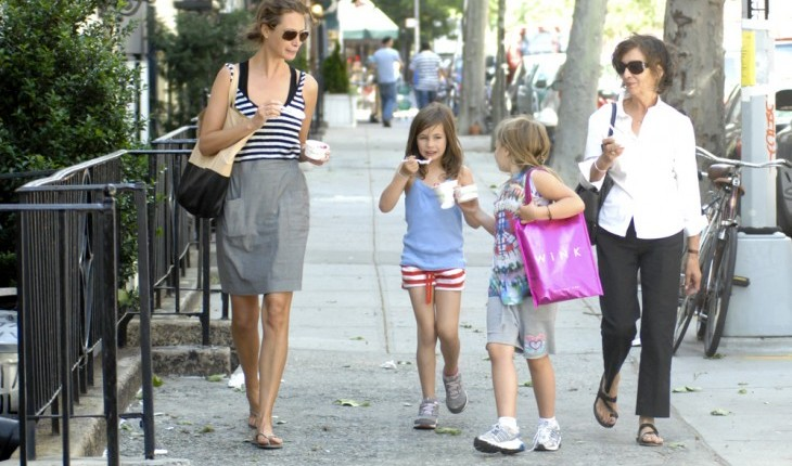 Cupid's Pulse Article: Parenting Tips: Make Popsicles with Your Kids This Summer