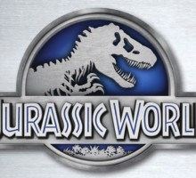 Chris Pratt is Featured in Unlikely Relationship Movie, 'Jurassic World'