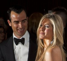 Celebrity News: Justin Theroux Constantly Tells Jennifer Aniston She's Beautiful