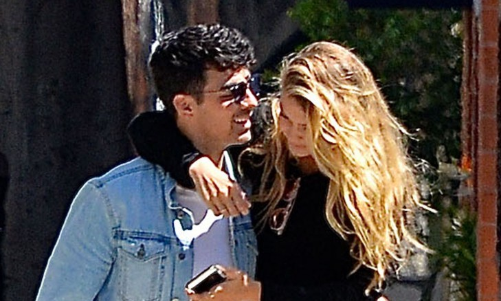 Cupid's Pulse Article: Gigi Hadid Says She Rejected Celebrity Boyfriend Joe Jonas When She Was 13