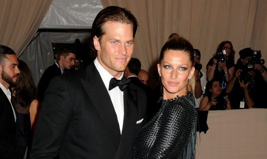 Cupid's Pulse Article: Celebrity Couple Tom Brady & Gisele Bundchen Kiss in Costa Rica After Super Bowl Loss