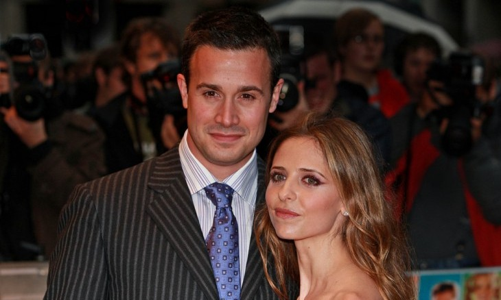 Cupid's Pulse Article: Celebrity Couple Sarah Michelle Gellar and Freddie Prinze Jr.: How Does A Couple Cope With Illness?