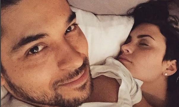 Cupid's Pulse Article: Celebrity News: Wilmer Valderrama Posts Sleeping Demi Lovato Selfie on Social Media