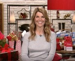 Celebrity Interview: 'Fuller House' Actress Lori Loughlin Talks About the Holidays & Her 'Tight Knit Family'