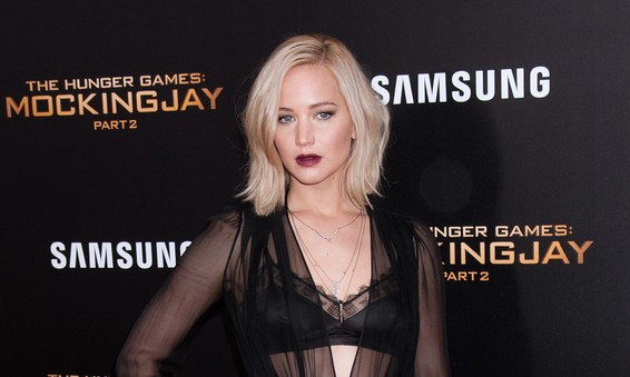 Cupid's Pulse Article: Ex Celebrity Couple: Jennifer Lawrence & Nicholas Hoult Reunite at Golden Globes
