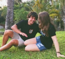 Celebrity Couple: Bindi Irwin & BF Chandler Powell Get Away to Hawaii