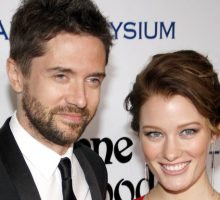 Celebrity Wedding: 'That 70's Show' Star Topher Grace Marries Ashley Hinshaw