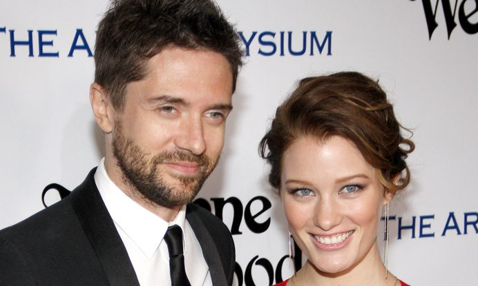 Cupid's Pulse Article: Celebrity Wedding: 'That 70's Show' Star Topher Grace Marries Ashley Hinshaw