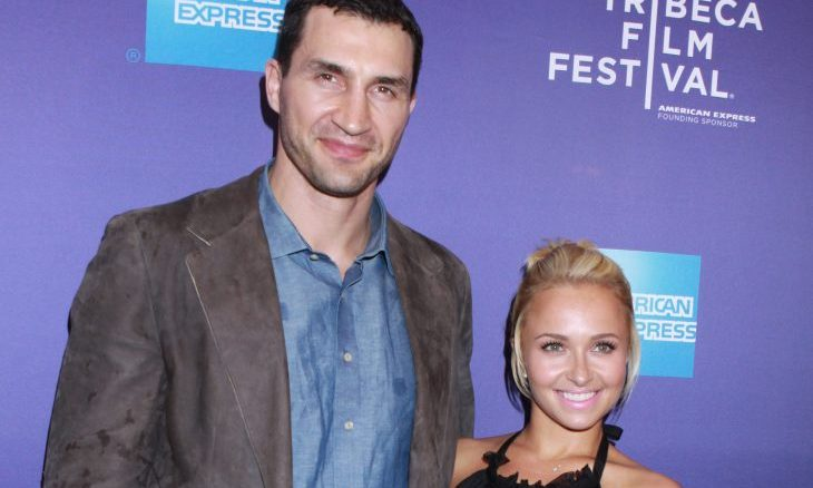 Cupid's Pulse Article: Celebrity News: Hayden Panettiere Poses with Fiance After Ringless Pics