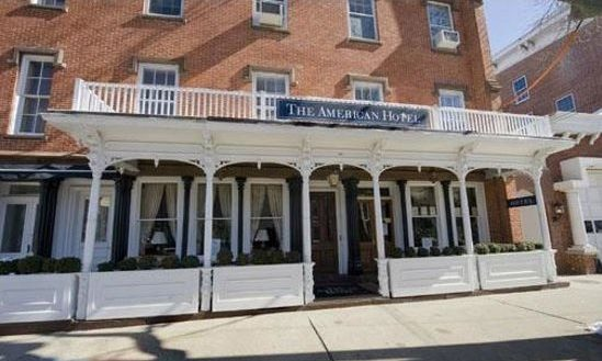 Cupid's Pulse Article: Enjoy a Weekend Romantic Getaway at The American Hotel