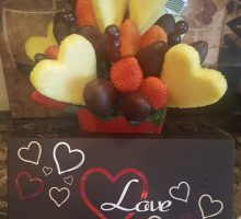 Make The People In Your Life Feel Special This Valentine's Day With An Edible Arrangement