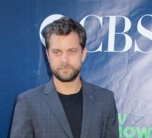 New Celebrity Couple? Joshua Jackson Makes Out with Mystery Woman on Romantic Date
